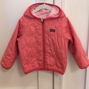 Patagonia Girls 3T Reversible Puff Jacket in Pink